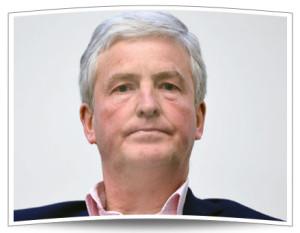 Direktor Sport Berhard Peters kümmert sich darum, dass der Nachwuchs beim HSV künftig gut aufgestellt ist.