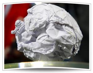 Die legendäre Papierkugel, die den Einzug in das Europapokalfinale in Istanbul verhinderte.