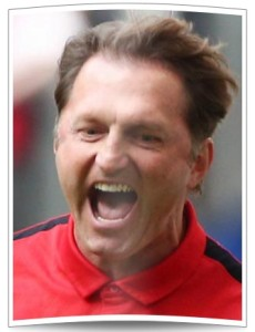 Ralph Hasenhüttl schreit seine Freud hinaus. Seine Rechnung ist aufgegangen und er stürzt den HSV in eine weitere große Krise.