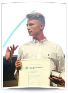 Jann-Fiete Arp erhält die Fritz-Walter-Medaille in Gold in der Kategorie U17
